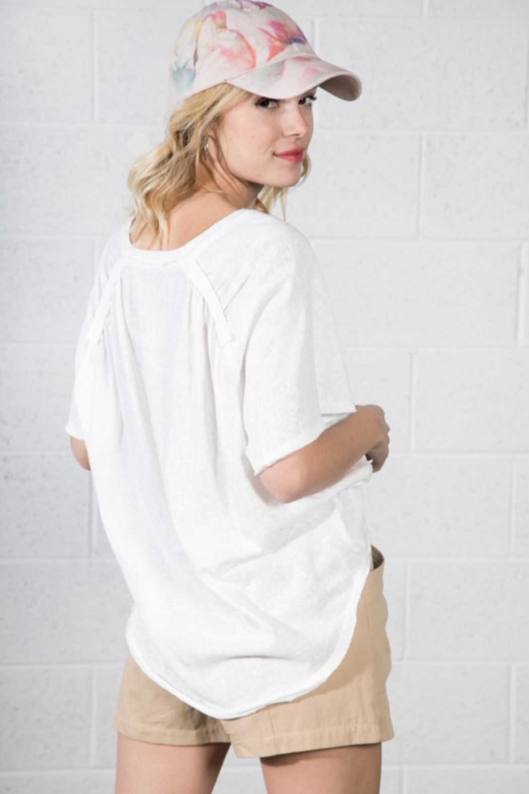 Very J  Relaxed Basic Tee - Side Cropped Image