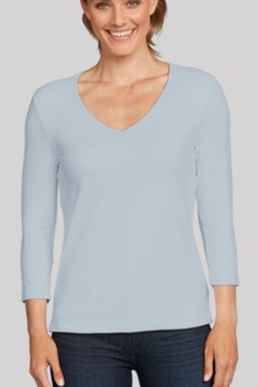 JudyP Relaxed Fit V-neck Tee - Front Cropped Image