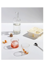 RENDR Large Icecube Tray - Side cropped