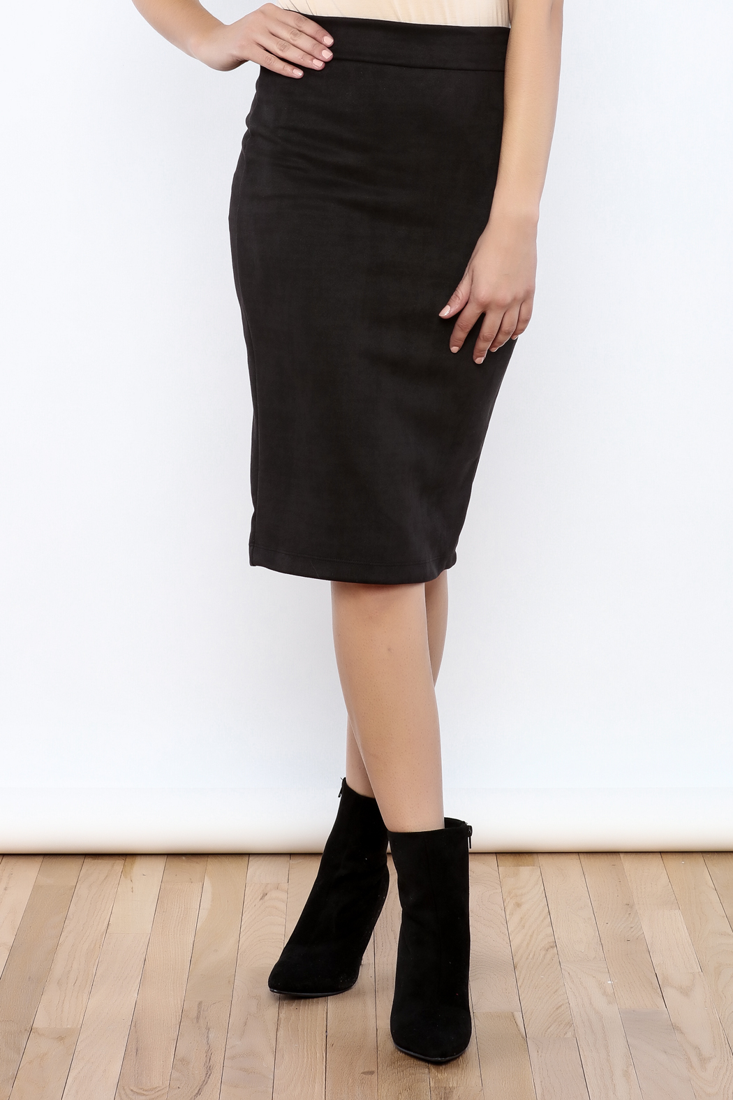 Renee C Black Suede Skirt from Pennsylvania by Bronze Body ...