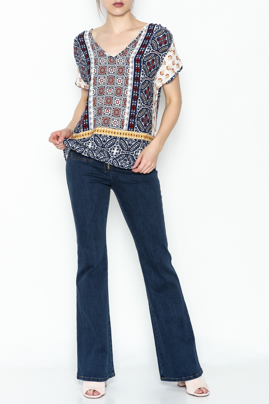 Renee C Printed Keyhole Top - Front Cropped Image