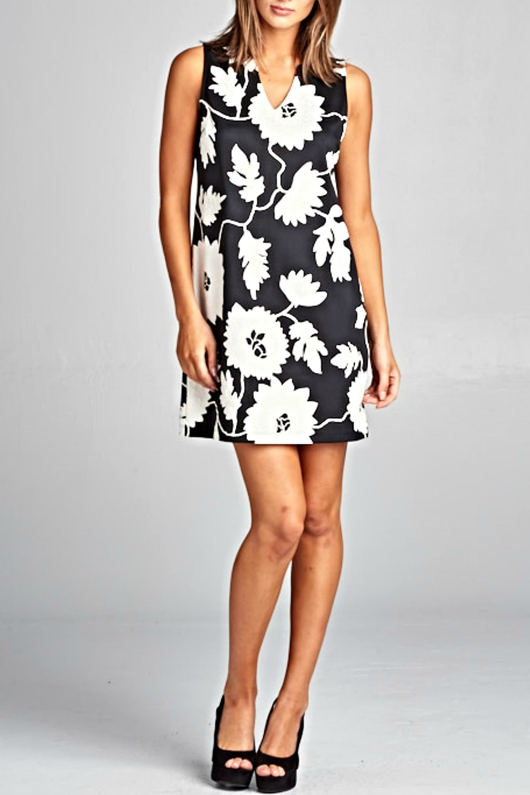 Renee C v-Neck Floral Dress - Front Cropped Image