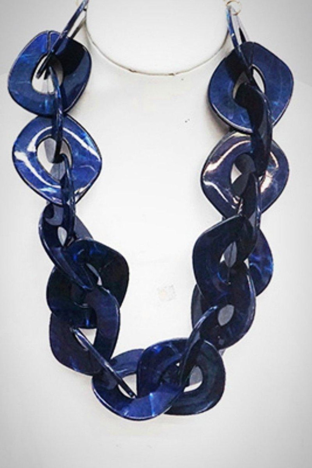 Embellish Resin Chain Necklace - Front Cropped Image