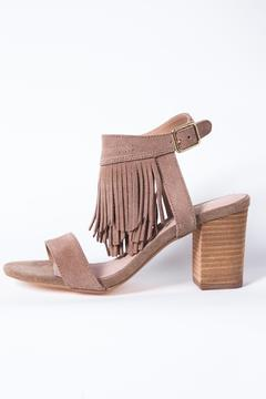 Restricted Kissy Heel - Product List Image