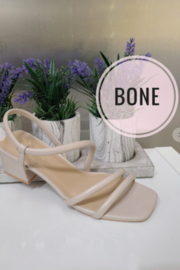 cj shoes Reveal Sandal - Front cropped