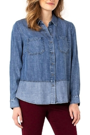 Liverpool  REVERSE FABRIC BLOCK SHIRT - Front cropped