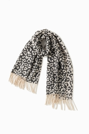 Look by M Reversible Leopard Scarf - Front full body