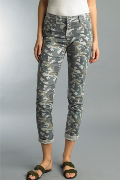Tempo Paris Revsible Camo Jeans - Alternate List Image