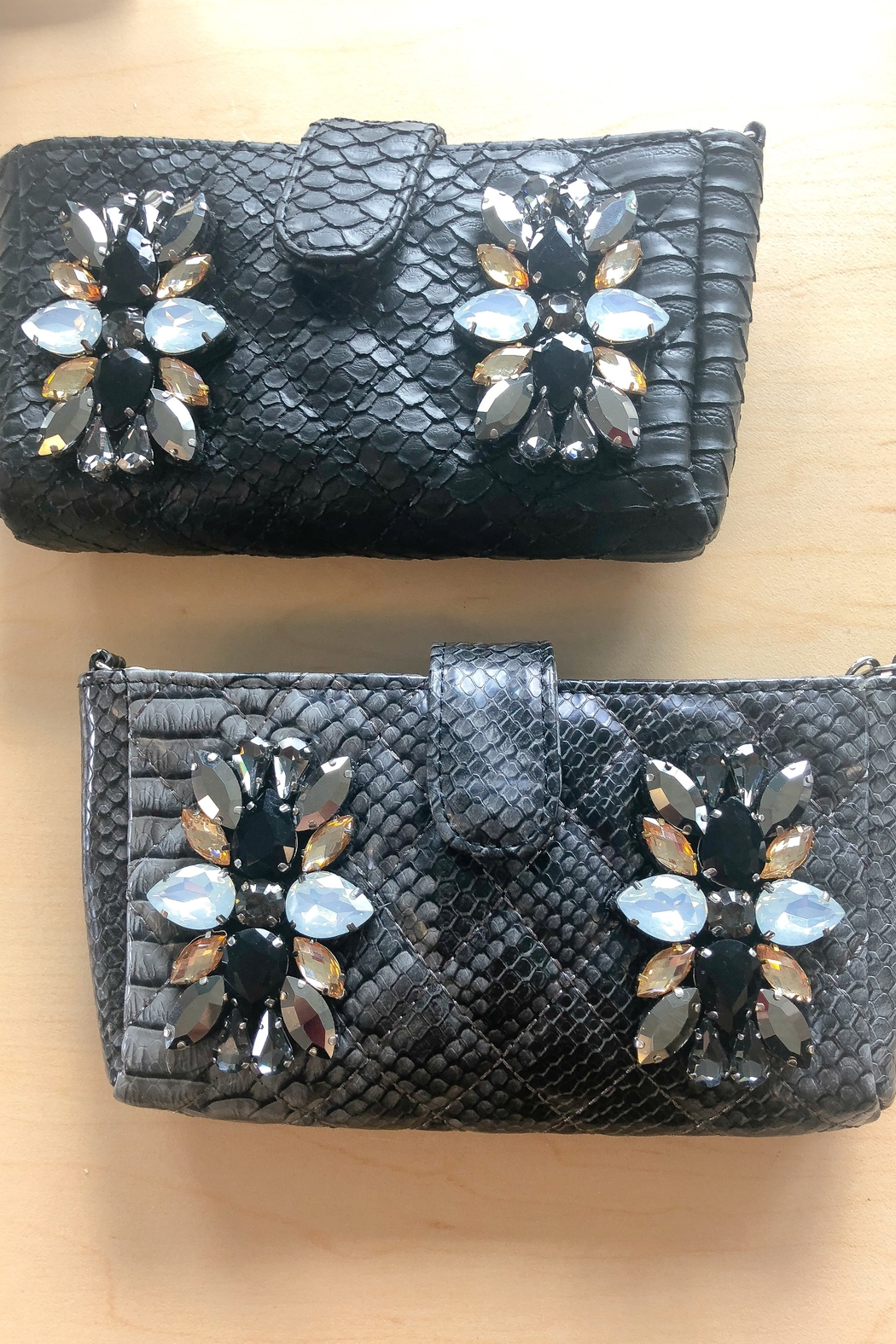 A Touch Of Style Rhinestone Crossbody Bag Black - Front Full Image