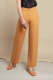 RHUMAA Elegant Trousers - Front cropped
