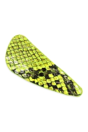 Riah Fashion Animal Scale-Printed Hair-Clip - Front cropped