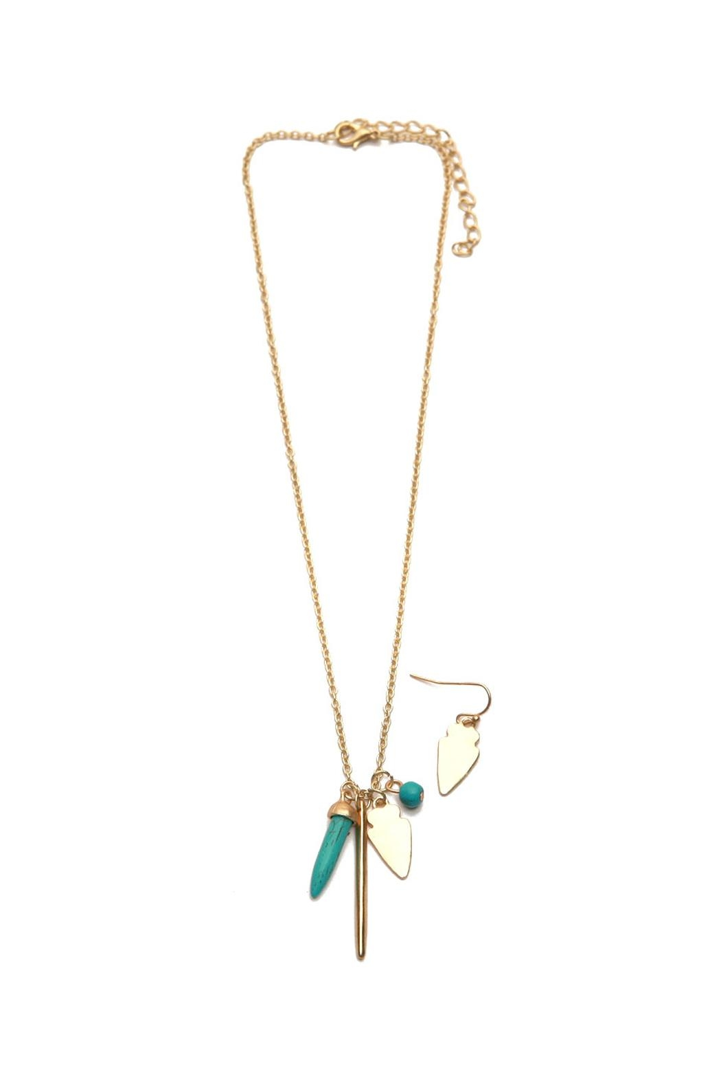 Riah Fashion Arrowhead Necklace Set - Front Cropped Image