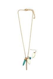 Riah Fashion Arrowhead Necklace Set - Front cropped