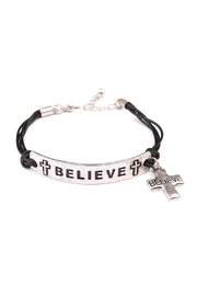 Riah Fashion Believe Plate Charm Bracelet - Front cropped