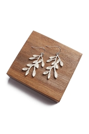 Riah Fashion Branch Leaf Drop Earrings - Front cropped