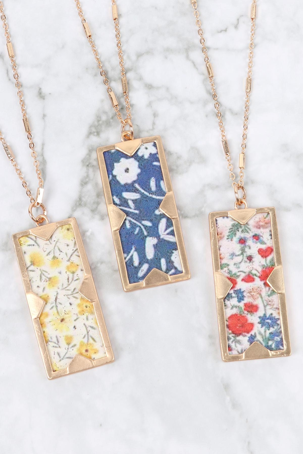 Riah Fashion Floral Charm Pendant Necklace - Front Full Image