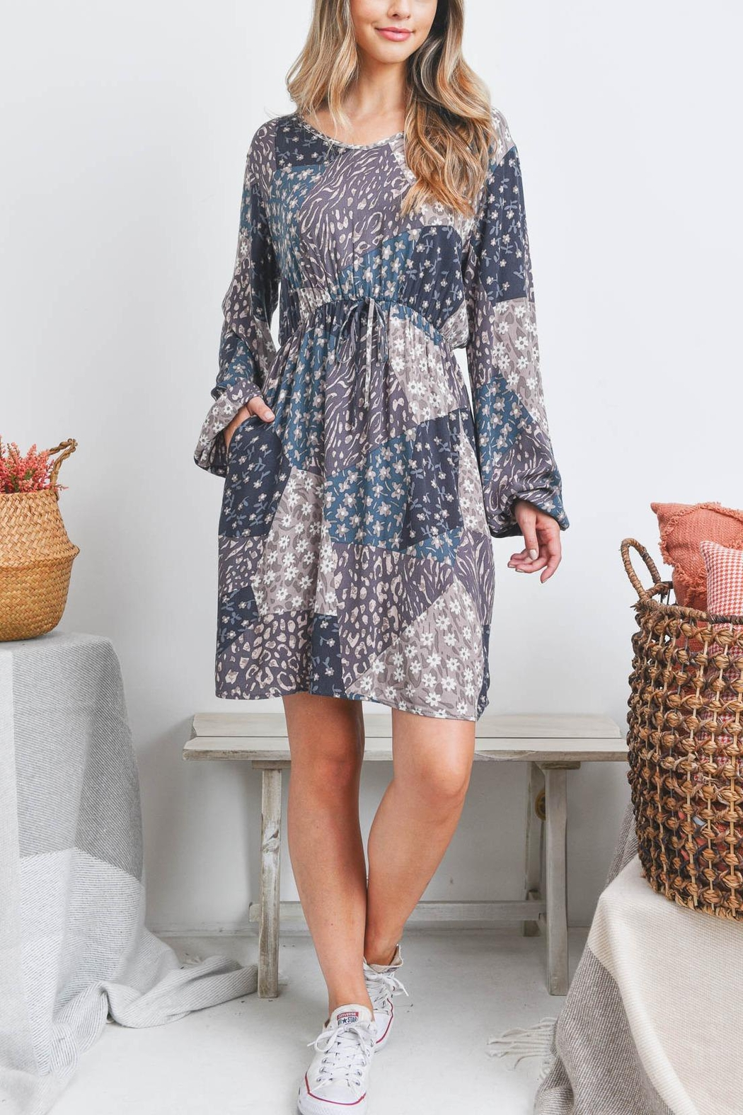 Riah Fashion Floral-Geometric-Tile-Puff-Sleeve-Dress - Front Cropped Image