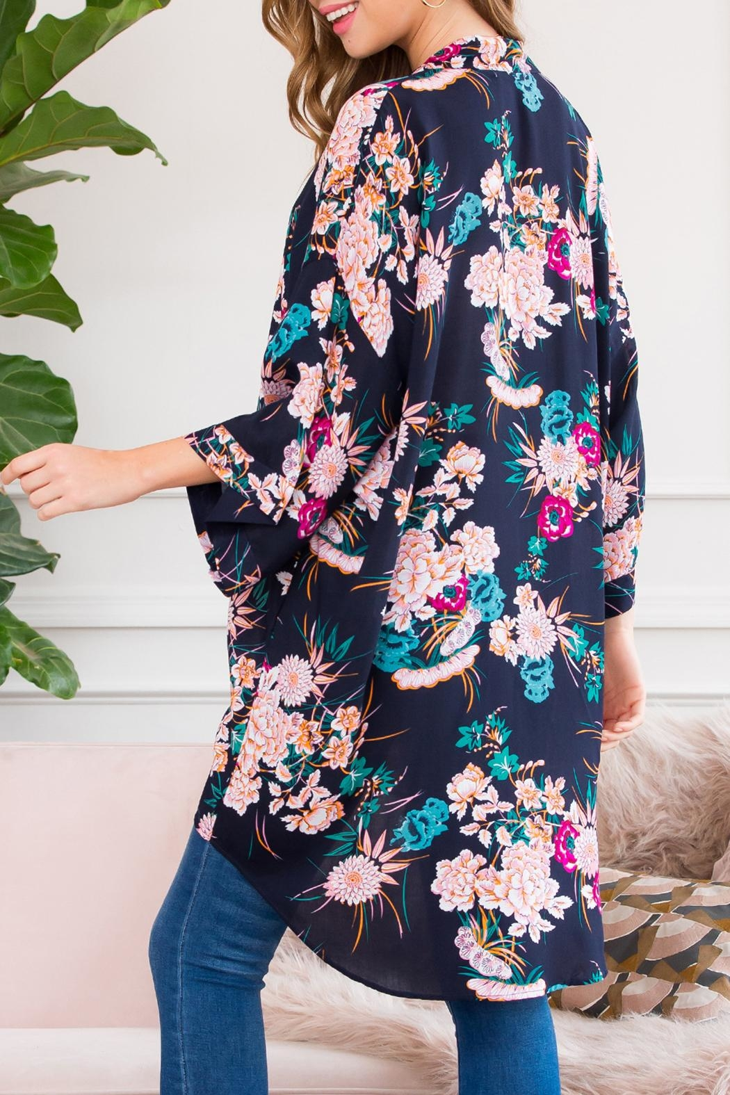 Riah Fashion Floral Robe Kimono Style 1 - Back Cropped Image