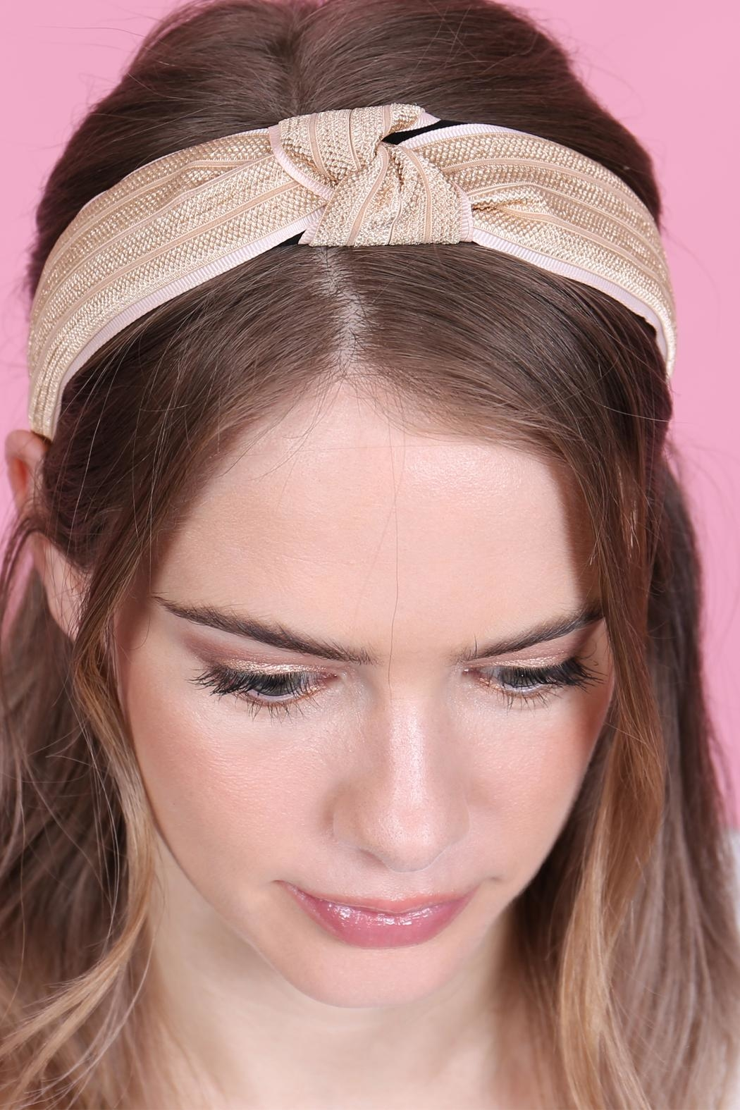 Riah Fashion Knotted Laced Fabric-Headband - Side Cropped Image