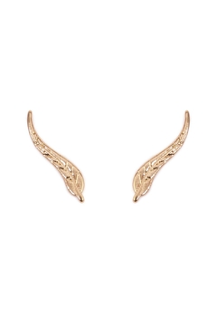 Riah Fashion Leaf Curved Crawler Earring - Product List Image