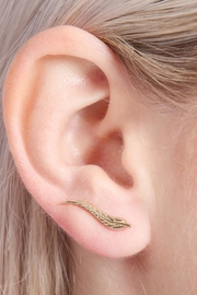Riah Fashion Leaf Curved Crawler Earring - Other