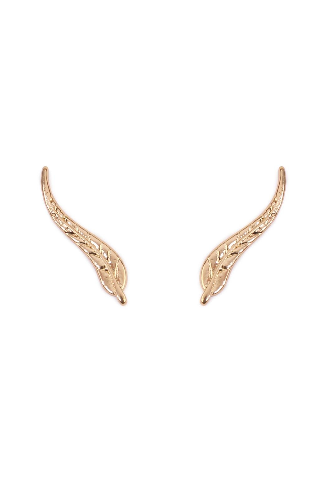 Riah Fashion Leaf Curved Crawler Earring - Front Cropped Image