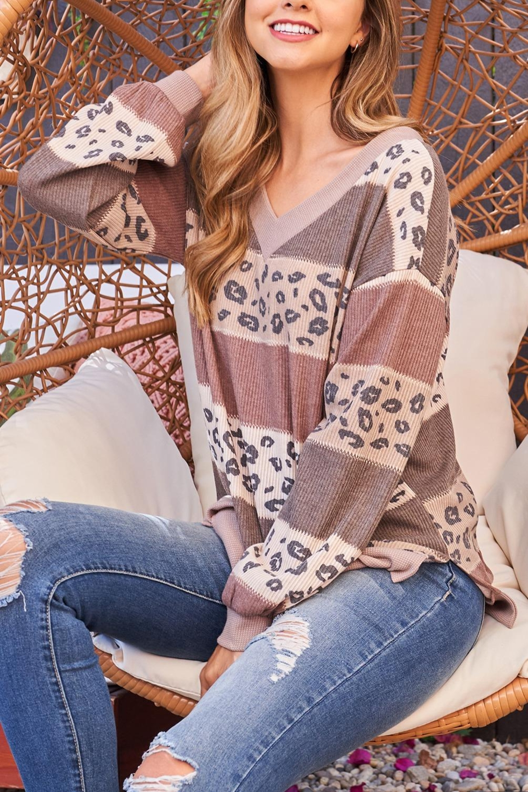 Riah Fashion Leopard-Contrast-V-Neck-Color-Block-Long-Sleeve-Top - Side Cropped Image