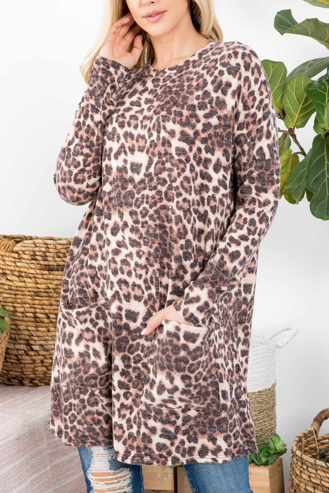 Riah Fashion Leopard-Print-Top - Side Cropped Image