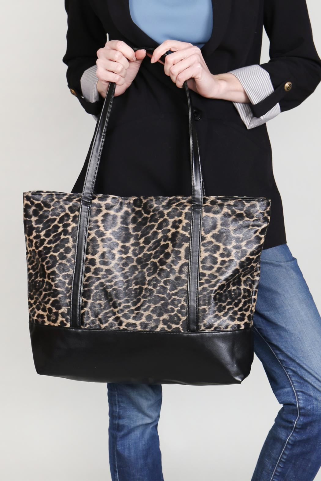 Riah Fashion Leopard Printed Tote Bag - Back Cropped Image