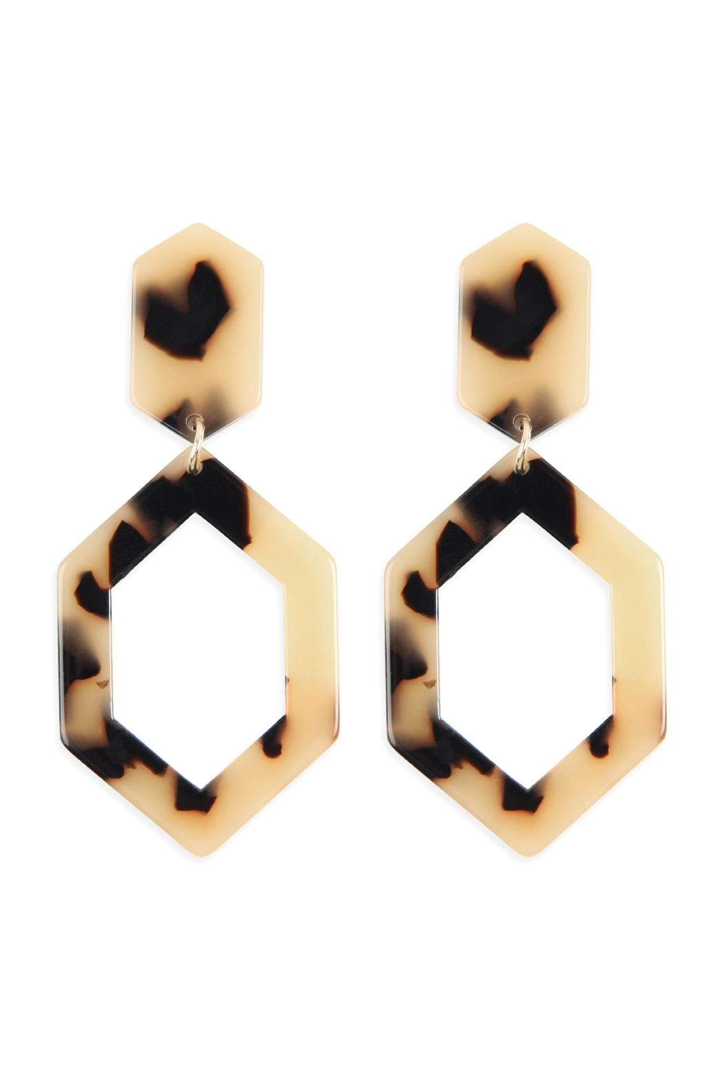 Riah Fashion Linked-Polygon Tortoise-Acetate Drop-Earrings - Front Cropped Image