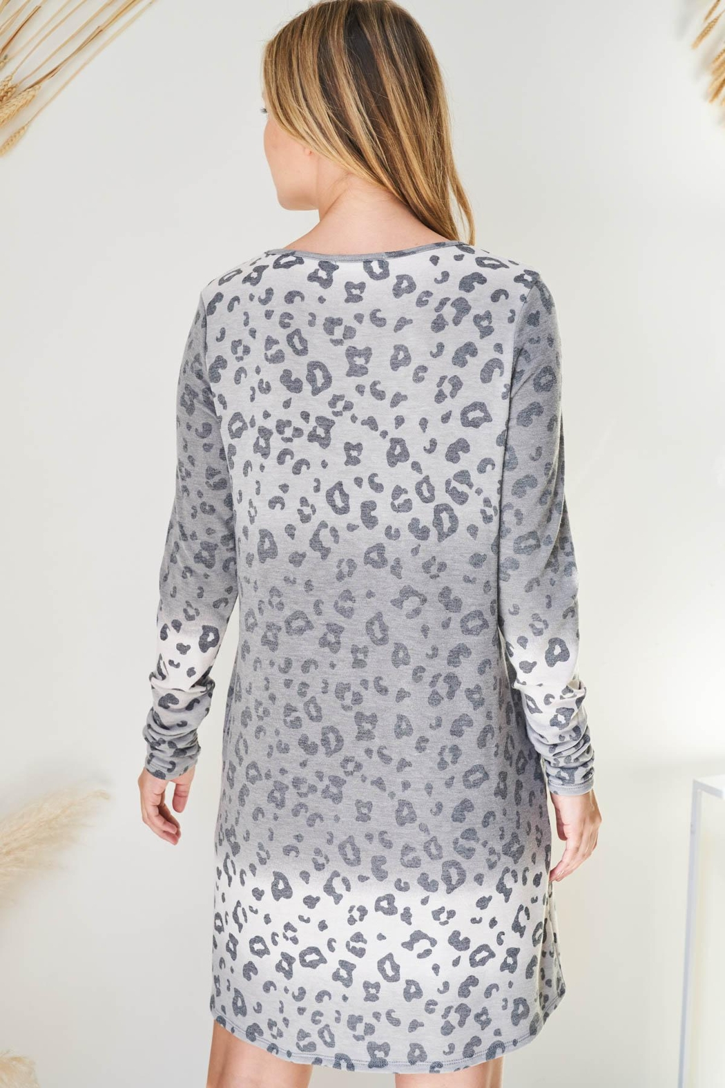 Riah Fashion Long-Sleeve-Ombre-Leopard-Dress-With-Side-Pocket - Side Cropped Image