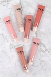 Riah Fashion Nude-Max-Lip-Gloss-Highly-Pigmented-Creamy-Lip-Glass - Side cropped