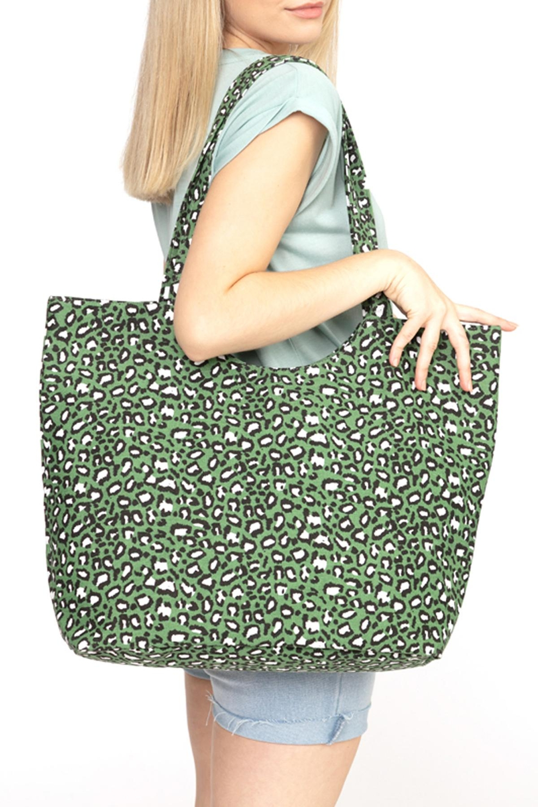 Riah Fashion Olive-Leopard-Print-Tote-Bag - Side Cropped Image