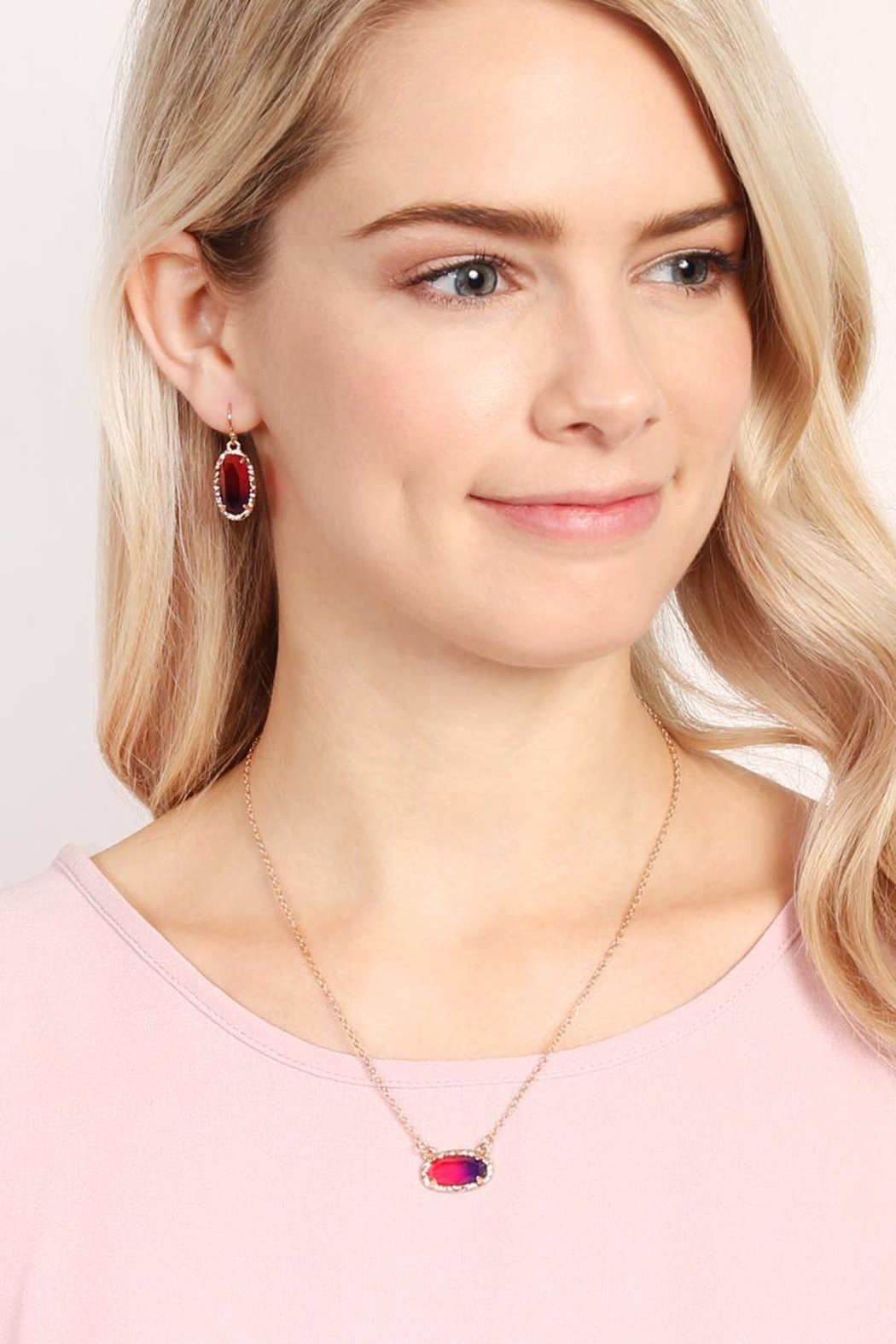 Riah Fashion Ombré Oval Pendant-Necklace - Side Cropped Image
