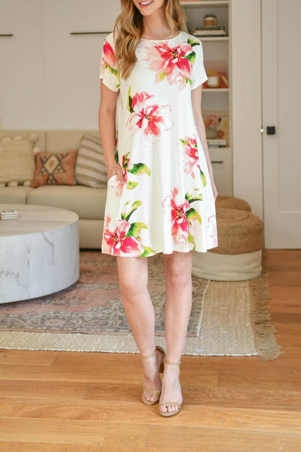 Riah Fashion Painterly-Floral-Print-Round-Neck-Dress - Side Cropped Image
