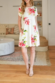 Riah Fashion Painterly-Floral-Print-Round-Neck-Dress - Side cropped