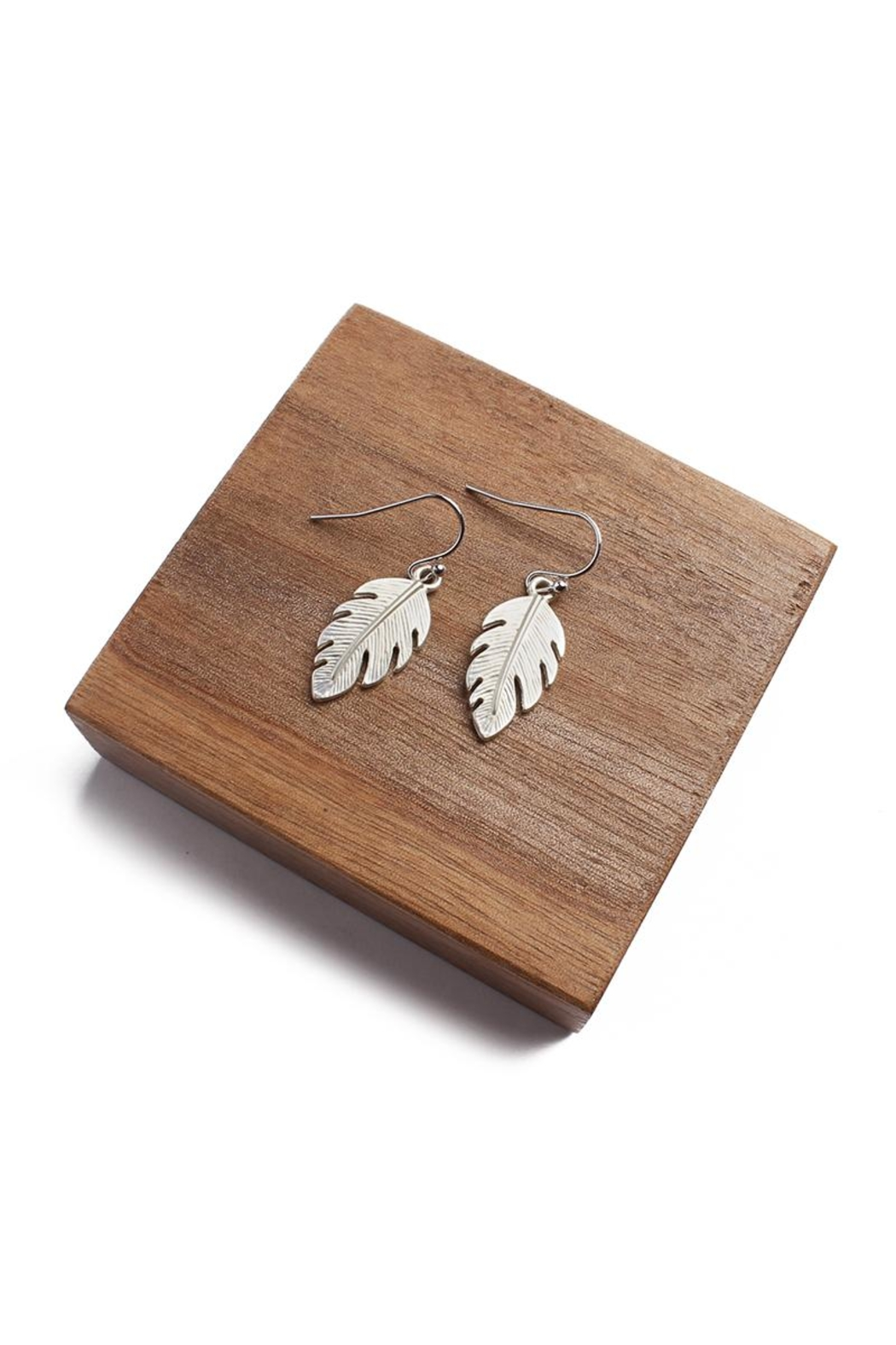 Riah Fashion Petite Leaf Earrings - Front Cropped Image