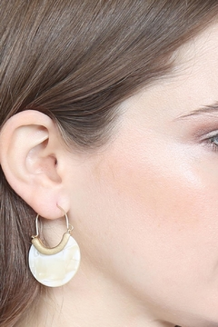 Riah Fashion Round Acetate Wire Earrings - Alternate List Image