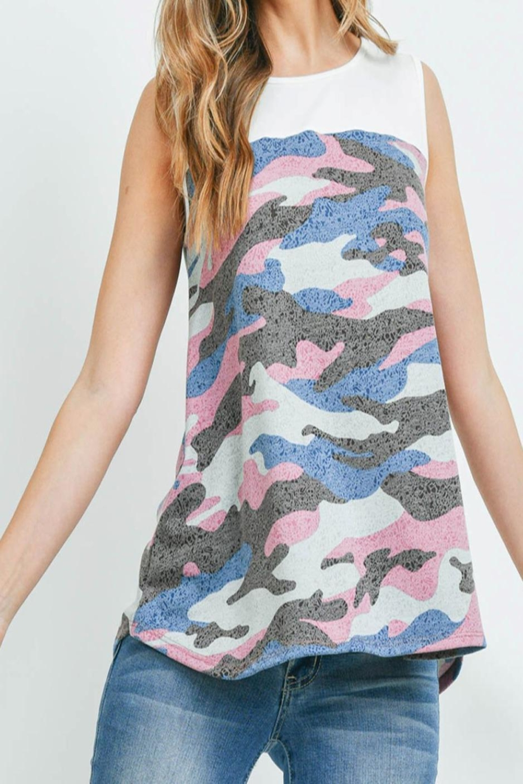 Riah Fashion Solid-Contrast-Camo-Print-Sleeveless-Swing-Top - Back Cropped Image