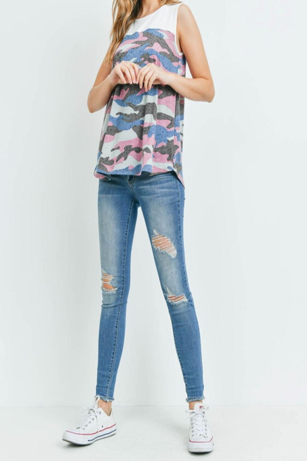 Riah Fashion Solid-Contrast-Camo-Print-Sleeveless-Swing-Top - Side Cropped Image