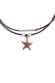 Riah Fashion Star-Fish Choker Necklace - Back cropped