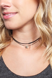 Riah Fashion Star Pendant Choker - Front full body