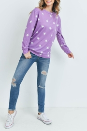 Riah Fashion Star-Print-Long-Sleeve-Pullover - Side cropped