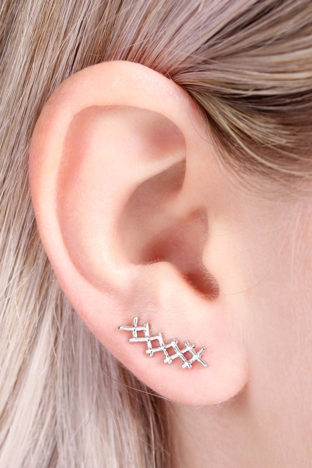 Riah Fashion Tapered-Cross Crawler Earring - Side Cropped Image