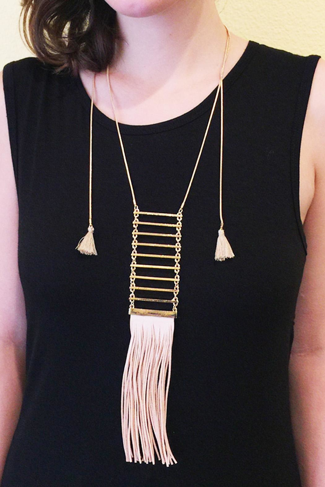 Riah Fashion Tassel Ladder Necklace - Side Cropped Image