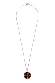 Riah Fashion Tortoise Round Necklace - Front cropped