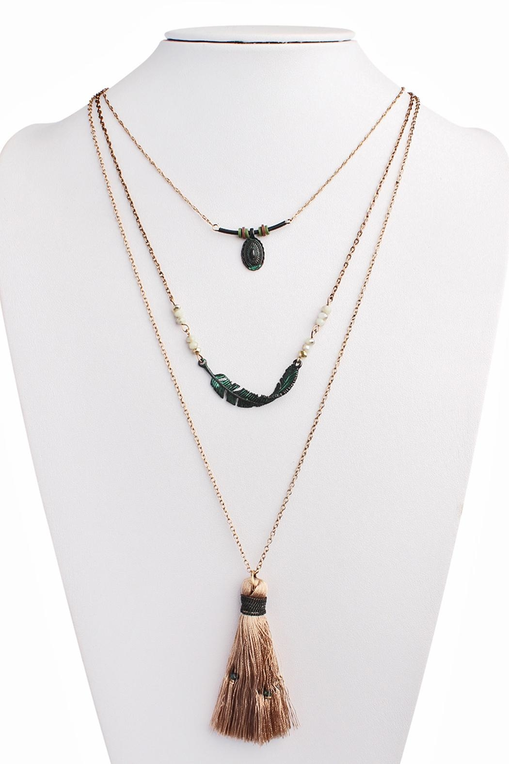 Riah Fashion Twisted Feather Layer Necklace - Side Cropped Image