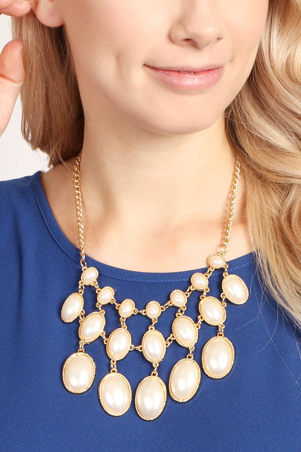 Riah Fashion Vintage Oval Pearl Necklace - Front Full Image