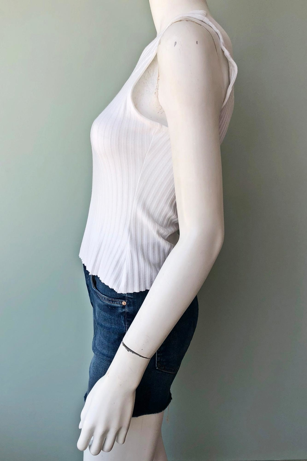THE RANGE NYC Ribbed One-Sleeve Top - Side Cropped Image