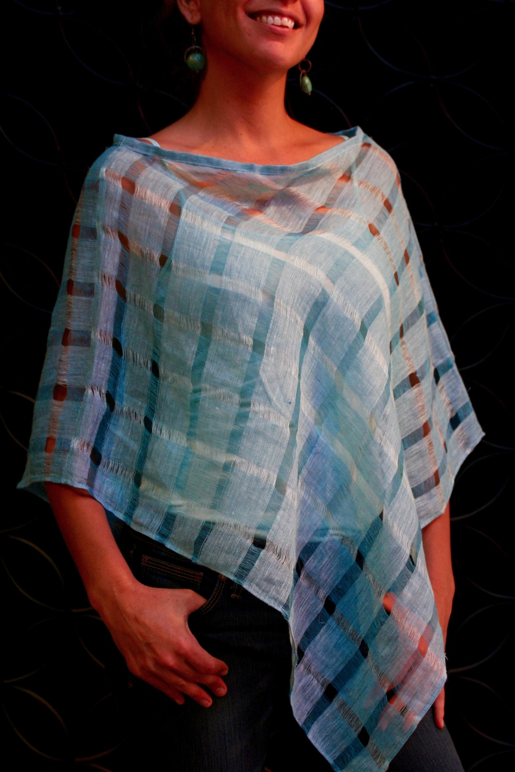 Richi Atelier Richivali Linen Poncho - Front Cropped Image